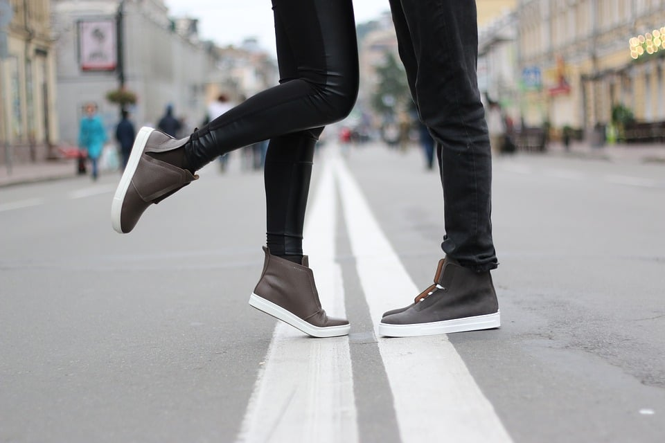 Pie de Atleta con zapato de piel