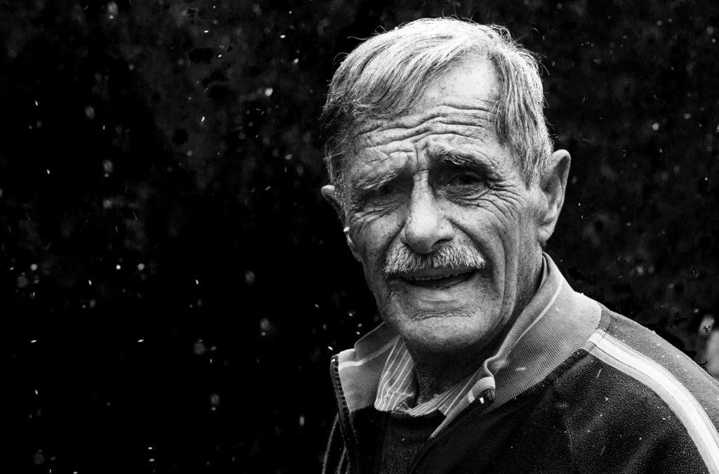 edad hombre mayor