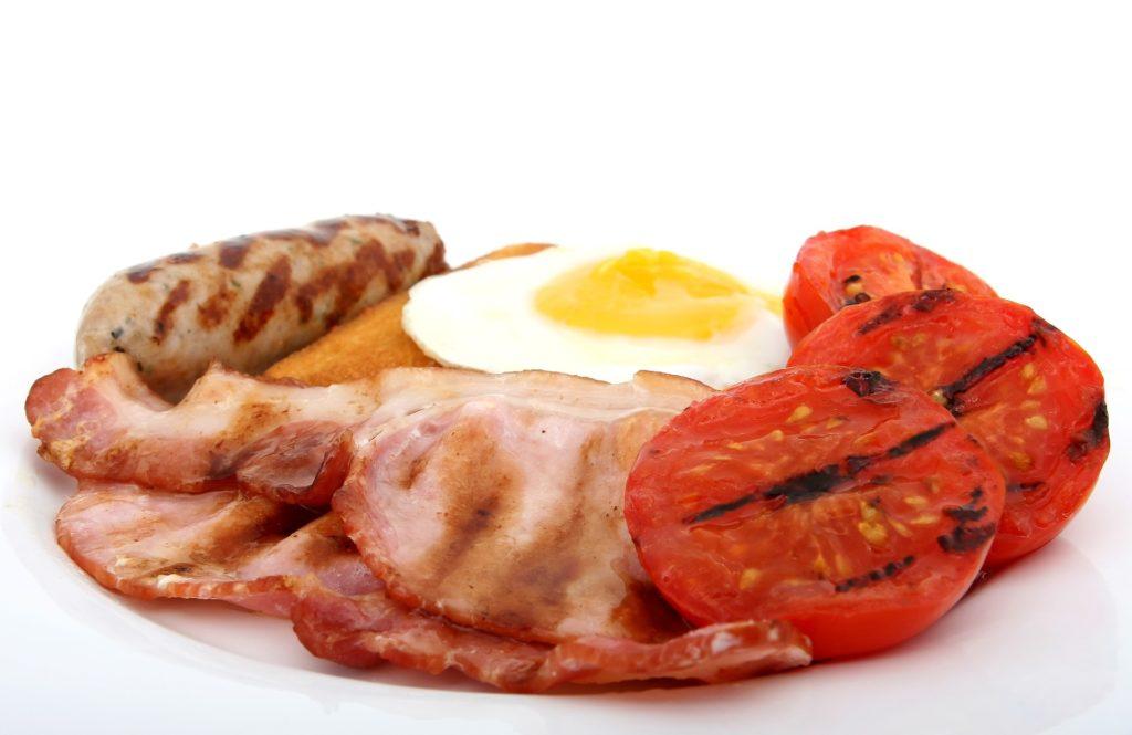 Malos hábitos alimenticios Problemas digestivos por Clínica Fuensalud