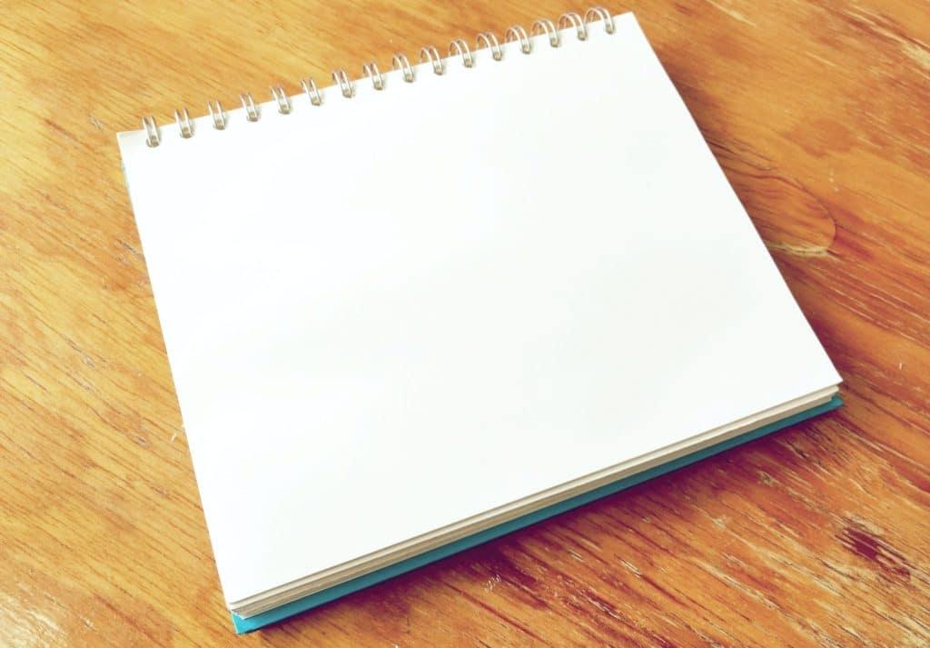 Cuaderno de deberes colaboración familiar por Clínica Fuensalud