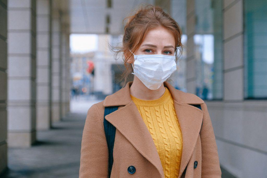 Coronavirus fatiga pandémica por Clínica Fuensalud