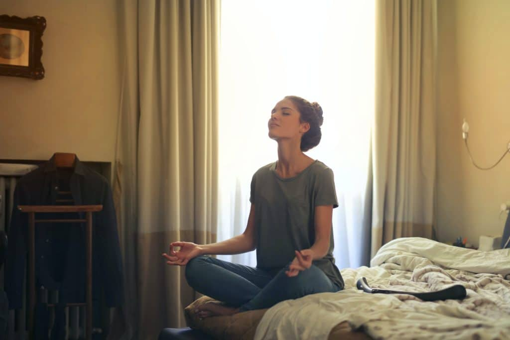Meditar por Clínica Fuensalud