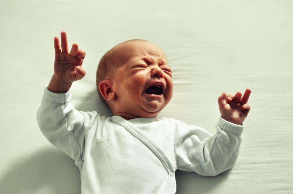 Bebé llorando de Clínica Fuensalud