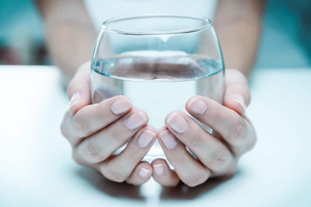 Vaso de agua de Clínica Fuensalud