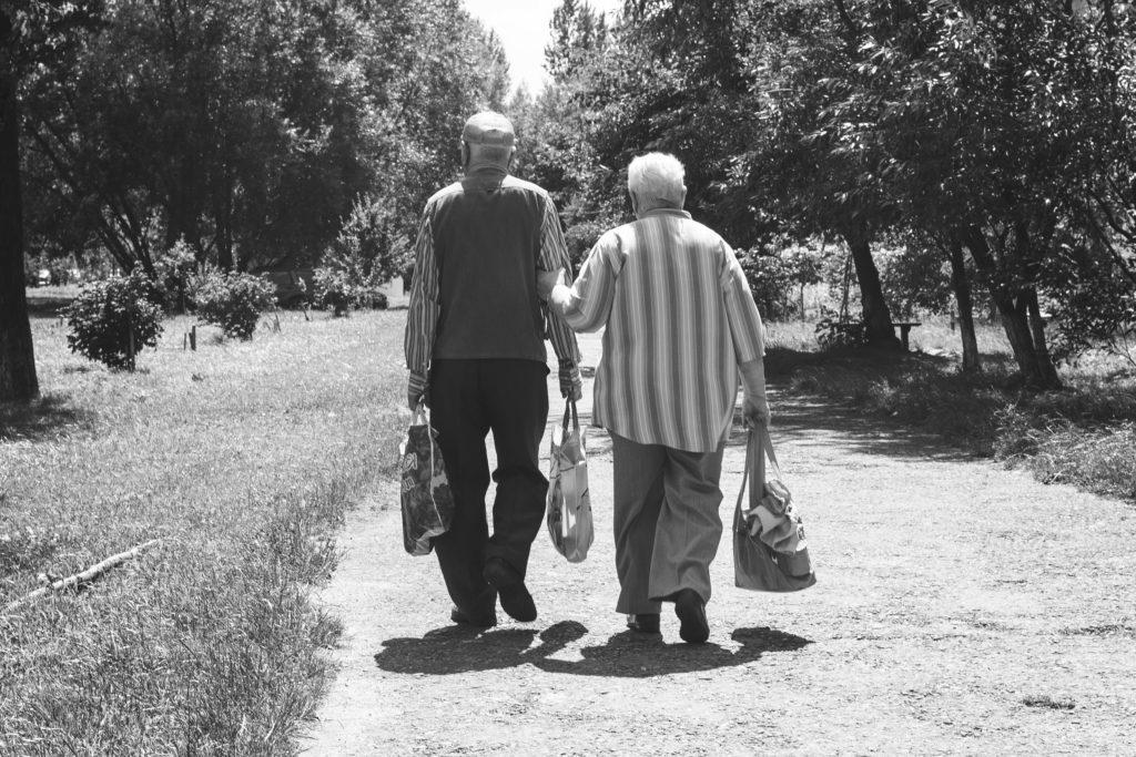 Persona mayor por Clínica Fuensalud