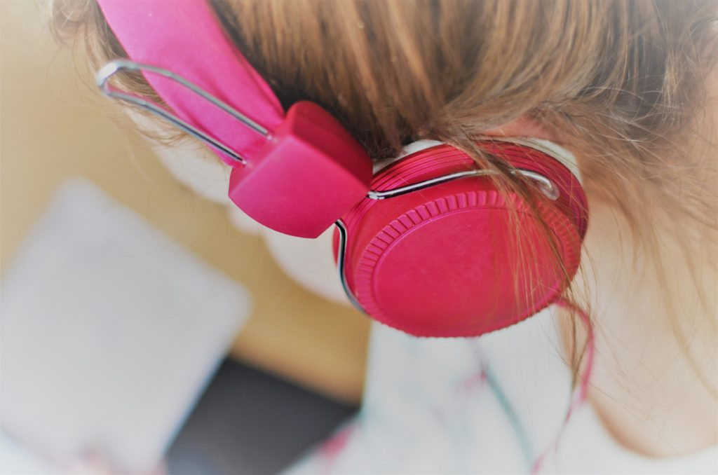 Cascos para Escuchar con Clínica Fuensalud