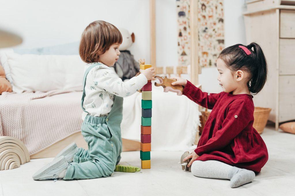 Desarrollo sensoro-motor del niño con juegos de logopedia por Clínica Fuensalud