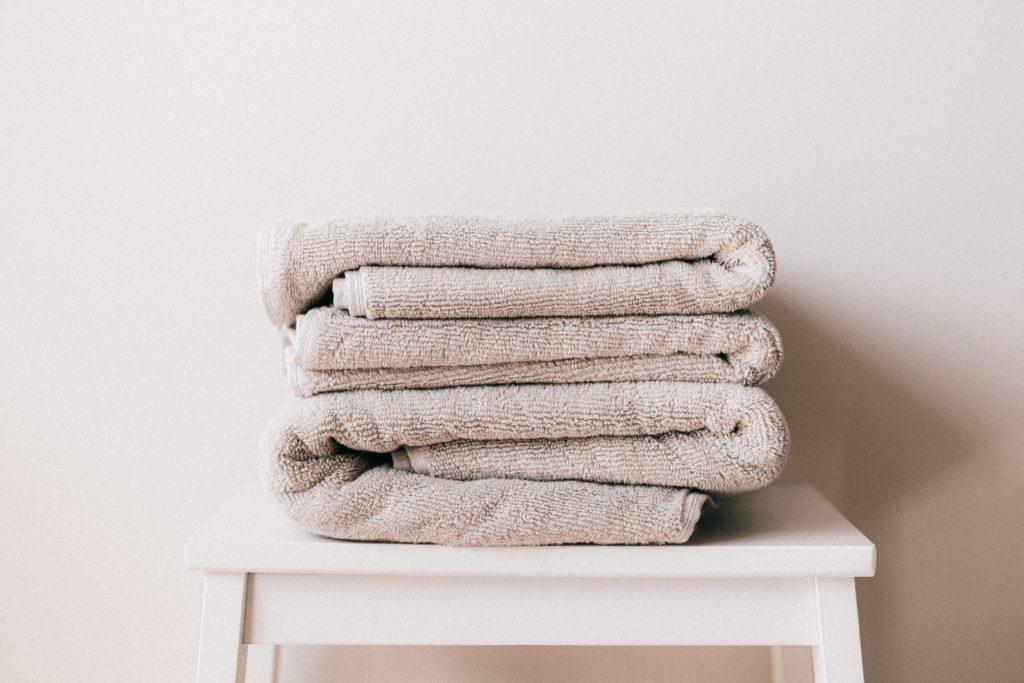 toallas para secar los pies por Clínica Fuensalud